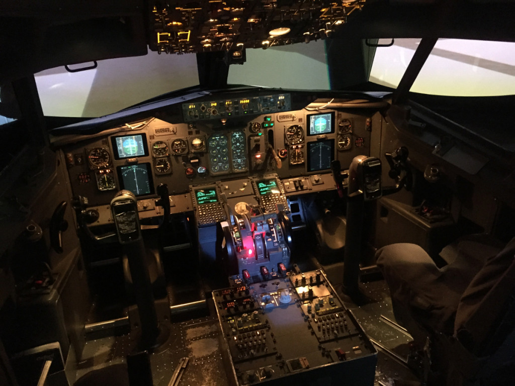 Oxford Aviation Academy: Full motion simulátor Boeing B737 (verze Classic)